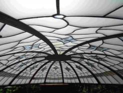 üveg kupola belülről